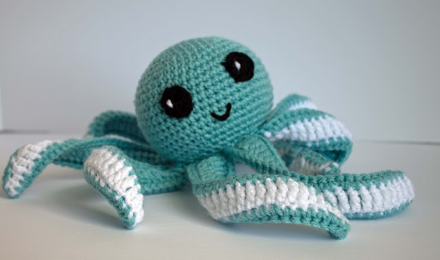 finished crocheted octopus