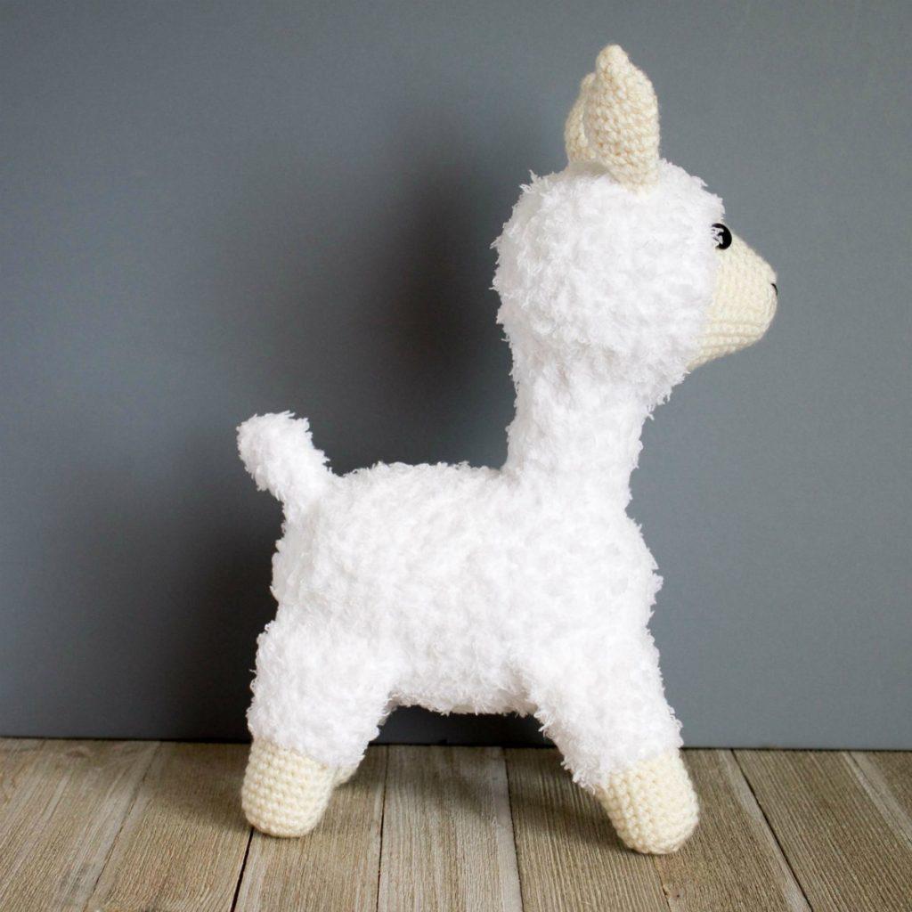 crocheted llama finished