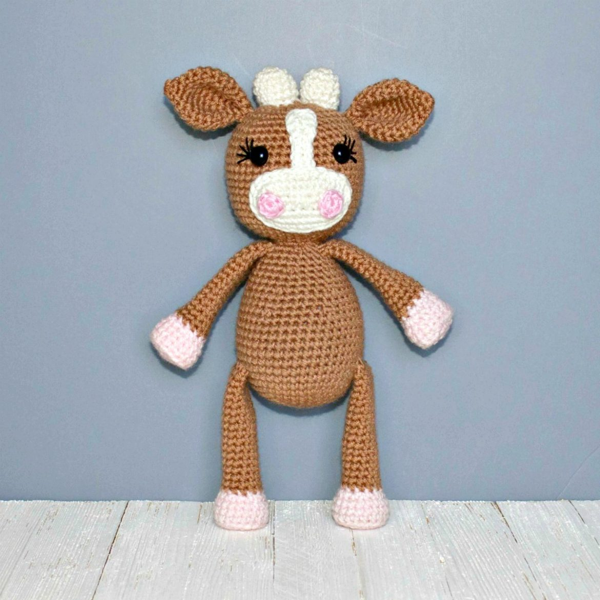 Amigurumi Cow - A Free Crochet Pattern - Grace and Yarn | 1170x1170